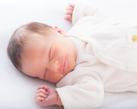 trẻ sơ sinh: Close-up của một bé trai đang ngủ