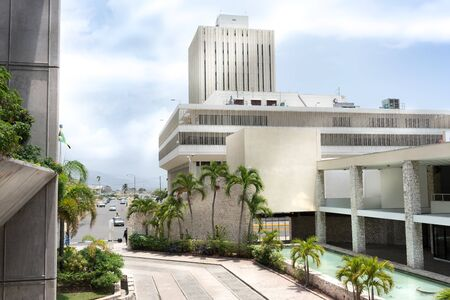 Kingston central bank at roadside, Jamaica Foto de archivo