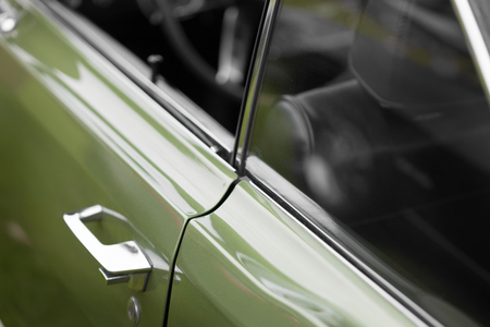 car door: Antique, Car, Car Door, Chrome, Closed, Close-up, Collectors Car, Colour Image, Day, Differential Focus, Elegance, Full Frame, Green, Handle, Horizontal, Keyhole, Luxury, Metal, Mode Of Transport, Motor Vehicle, No People, Nostalgia, Old, Old-fashioned,