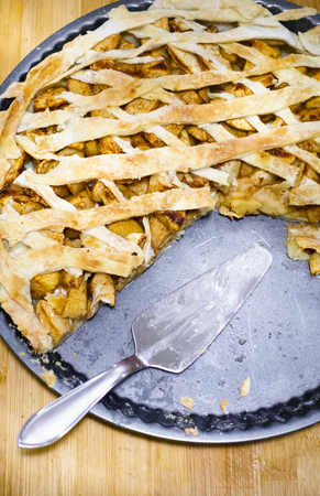 Apple pie on baking tray Imagens