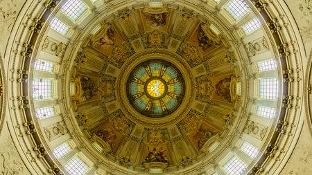 dom: Berliner Dom Interior III