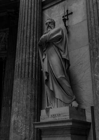 A black and white picture of one of the statues inside the Church of San Francesco di Paola (Naples).