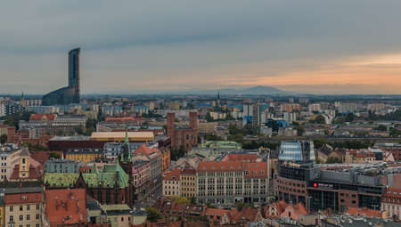 A picture of the rooftops of Wroclaw. 版權商用圖片 - 158859052