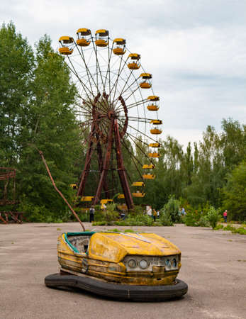 A black and white picture of the amusement park in Pripyat. 版權商用圖片 - 159073651