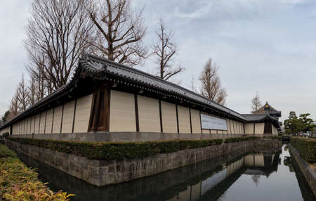 A panorama picture of the outer walls of the Higashi Hongan-ji Temple and its moat. 新聞圖片