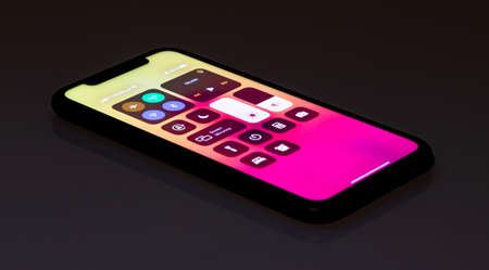 A picture of the Apple iPhone 11 with the lockscreen settings lit. 新聞圖片