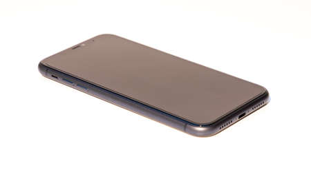 A picture of the Apple iPhone 11 with the screen off. 新聞圖片