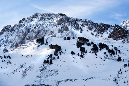 Moutain Zinnen voller snowat Pyrenäen  Standard-Bild - 2846111