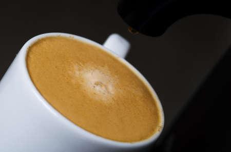 Nahaufnahme von einer heißen Tasse Kaffee Standard-Bild - 3007136
