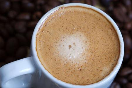 Nahaufnahme von einer heißen Tasse Kaffee Standard-Bild - 3007144