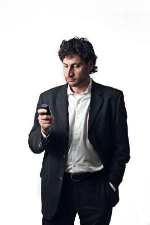 Geschäftsmann Beantwortung eines Werkes rufen, weißen Hintergrund  Standard-Bild - 3041776
