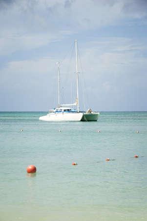 Catamaran zeilboot in het Caribisch gebied