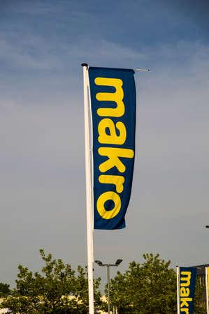 Macro flag