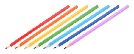 top 7: L�pices de colores sobre fondo blanco