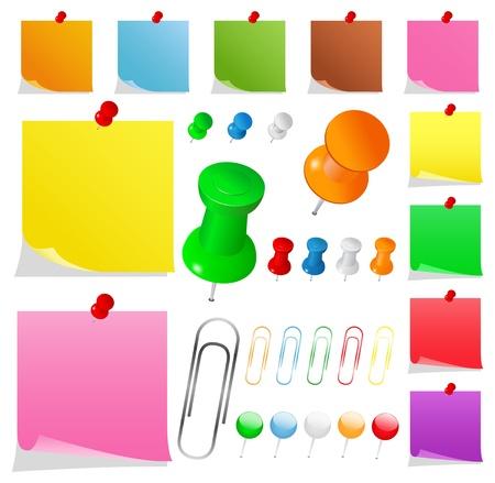Kleurrijke papieren notities met pushpins en clips