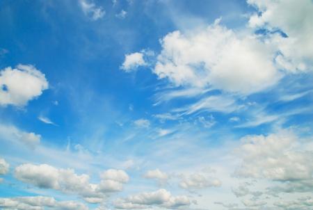 ciel avec nuages: Bleu ciel et les nuages