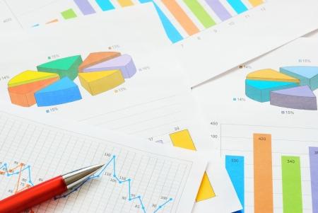 statistique: Graphiques et des tableaux Banque d'images