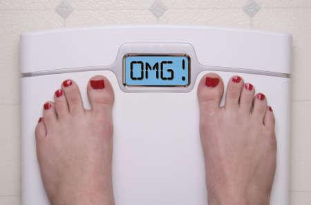 obesidad: Mostrar mensaje OMG digital escala de cuarto de ba�o
