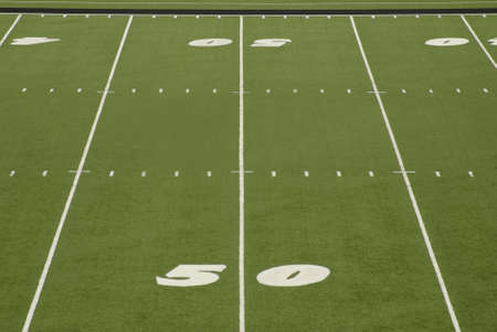 アメリカン フットボール フィールド上 50 ヤード ラインの表示