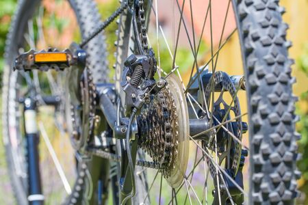 Close up of mountanbike with wheels,sprocket,  chain and derailleur Фото со стока - 131026807