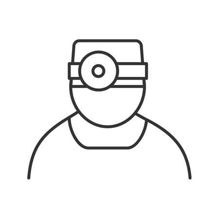 Doctor linear icon. Thin line illustration. Dentist or otolaryngologist. Practitioner. Contour symbol. Vector isolated outline drawing