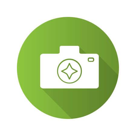 Die Kamera verbessert das lange Schatten-Glyphen-Symbol mit flachem Design. Fotografie. Fotoapparat. Vektorschattenbildillustration
