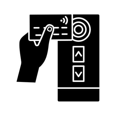 Icône de glyphe de lecteur de carte de crédit NFC. Paiement des transports publics NFC. Symbole de la silhouette. Espace négatif. Communication en champ proche. Carte de contrôle d'accès d'ascenseur de porte RFID. Illustration vectorielle isolée