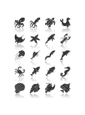 Sea animals drop shadow black glyph icons set. Turtle, jellyfish, lobster, skate, butterflyfish. Swimming fish. Underwater wildlife. Ocean inhabitants. Aquatic creatures. Isolated vector illustrations  イラスト・ベクター素材