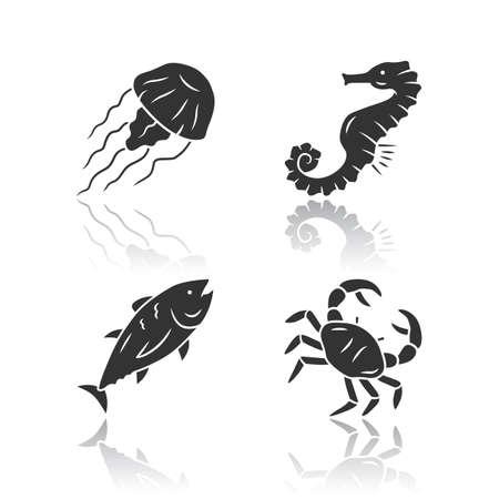 Sea animals drop shadow black glyph icons set. Swimming tuna, seahorse, jellyfish. Seafood restaurant? Marine fauna. Undersea world inhabitants. Ocean fish and mollusk. Isolated vector illustrations Banque d'images - 131289600