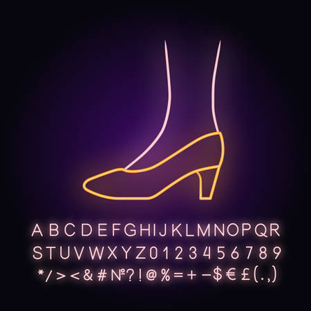 Pumps neon light icon. Woman stylish formal footwear design. Female stacked kitten heels, luxury modern court shoes. Glowing sign with alphabet, numbers and symbols. Vector isolated illustration Ilustracja