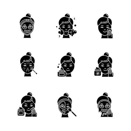 Set di icone del glifo con procedure di cura della pelle. Trattamento spot per acne e punti neri. Applicare la crema solare. Detergente viso idratante. Maschera termica. Simboli di sagoma. Illustrazione vettoriale isolato
