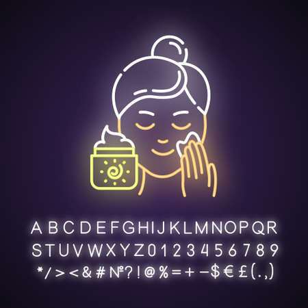 Applying sunscreen neon light icon. Face sun protection. Skin care procedure. Cream to avoid sunburn. Cosmetics, makeup. Glowing sign with alphabet, numbers and symbols. Vector isolated illustration Archivio Fotografico - 134811581