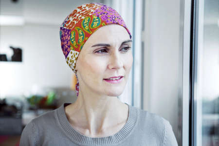 Cancer,Woman LANG_EVOIMAGES