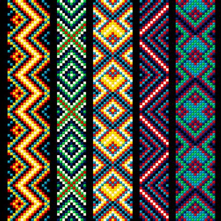 Perlen Design, Stammes-Design, Stammes-Perlen, Perlenkette, afrikanische Perlen, ethnische nahtlose Muster, Stickerei Kreuz, Quadrate, Diamanten, Chevrons. Standard-Bild - 91683933