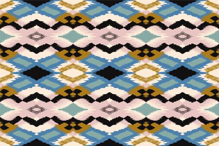 Ikat geometric folklore ornament with diamonds. Tribal ethnic vector texture. Seamless striped pattern in Aztec style. Folk embroidery. Indian, Scandinavian, Gypsy, Mexican, African rug. 스톡 콘텐츠 - 137747071