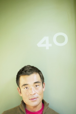 mid adult man: Retrato de un hombre de mediana edad LANG_EVOIMAGES