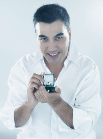 milepost: Young man proposes to camera LANG_EVOIMAGES