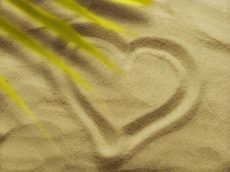 cherishing: Heart drawn in the sand