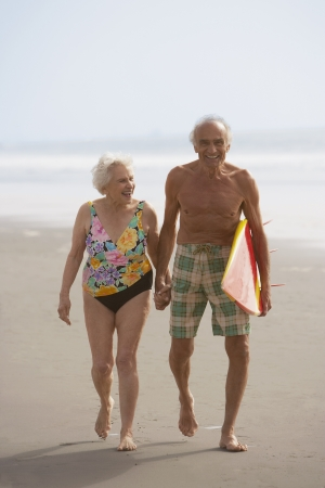 stepping: Senior couple at the beach, Las Vegas, Nevada, United States LANG_EVOIMAGES