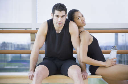 north western european descent: Male and female dancers in dance studio LANG_EVOIMAGES