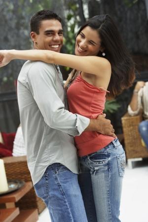 genegenheid: Zuid-Amerikaanse paar dansen