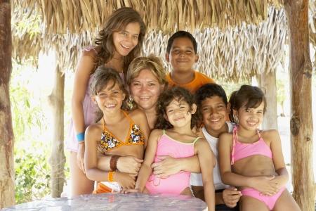 Portrait of Hispanic family Standard-Bild