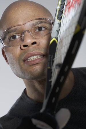 racquetball: Primer plano de un jugador de racquetball LANG_EVOIMAGES