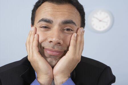 slumbering: Sleepy businessman at his desk LANG_EVOIMAGES