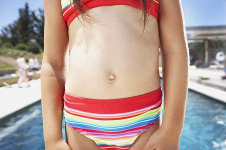 bellybutton: Young girlÃŒs bellybutton