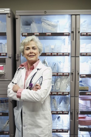 bethesda: Senior female doctor in supply room, Bethesda, Maryland, United States LANG_EVOIMAGES
