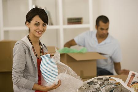Junge Verpackung bewegte Paar Boxen Standard-Bild - 35680825