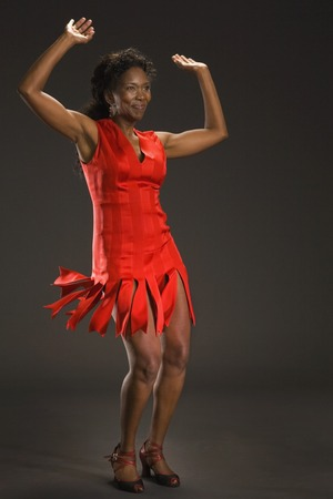 30 years old married couple: African American woman dancing LANG_EVOIMAGES