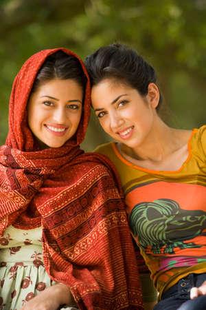 Portrait der multi-ethnischen Frauen