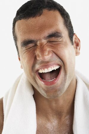 sopping: Hispanic man yawning